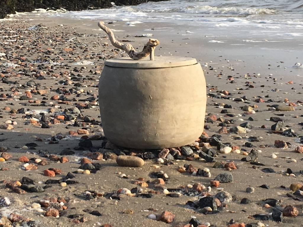 wad tot wad urn